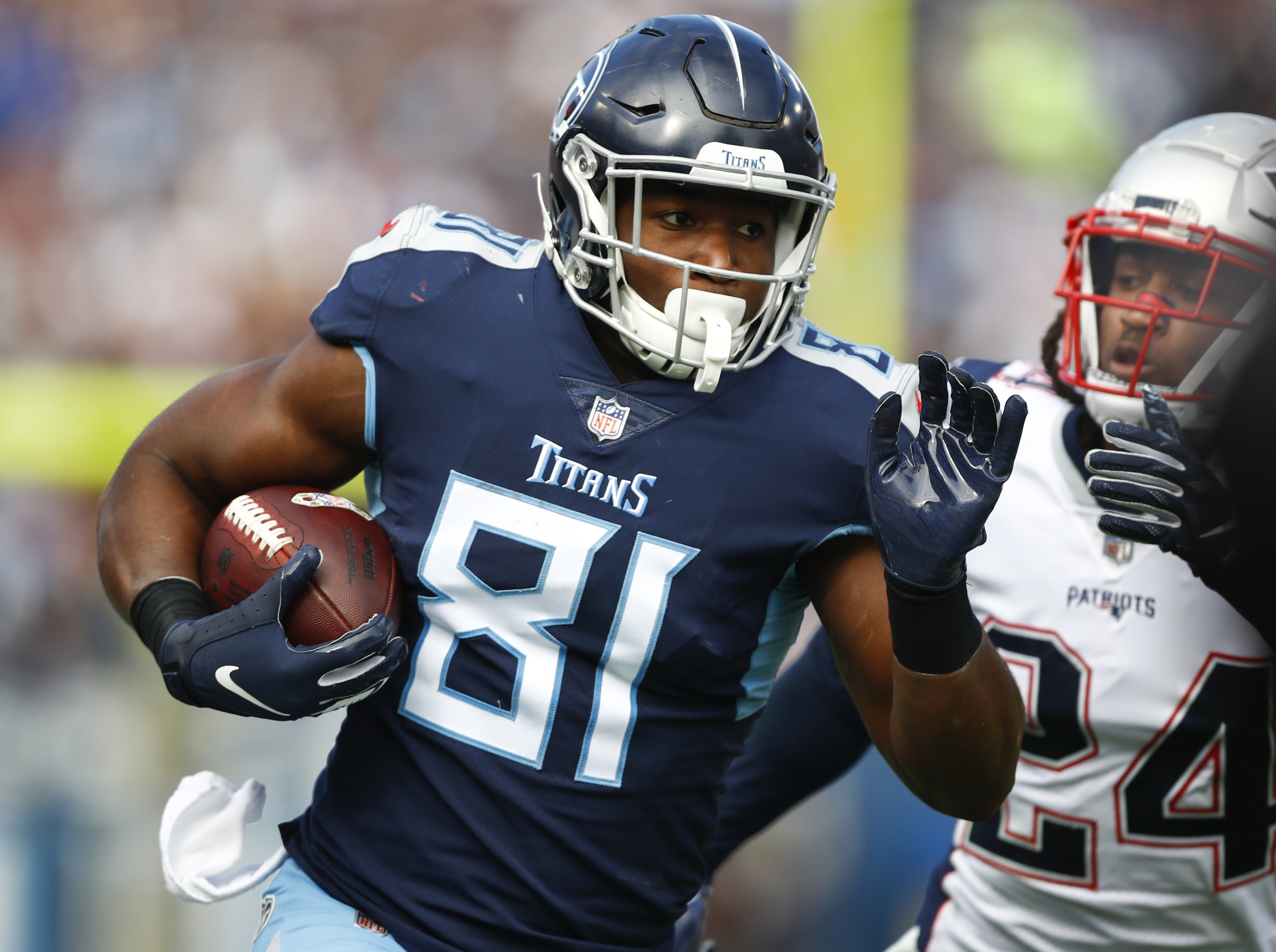Is Jonnu Smith a viable fantasy replacement if Delanie Walker is ruled out?